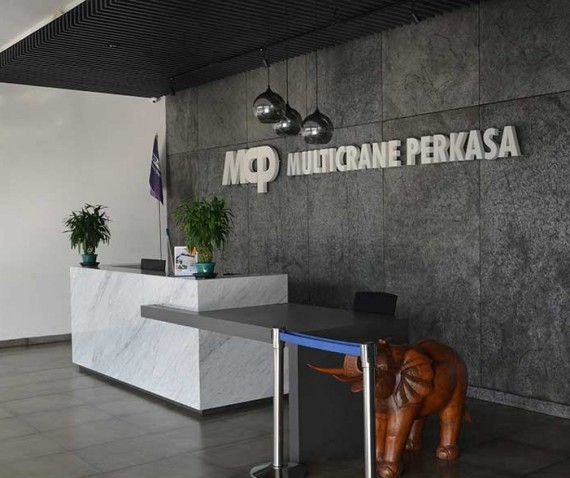 Multicrane Front Office